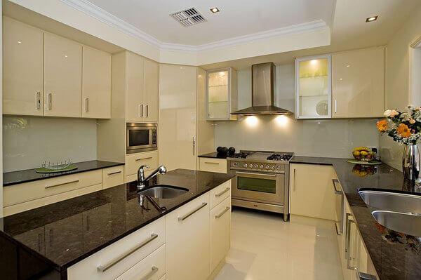 at-cabinet-makers-kitchen-001